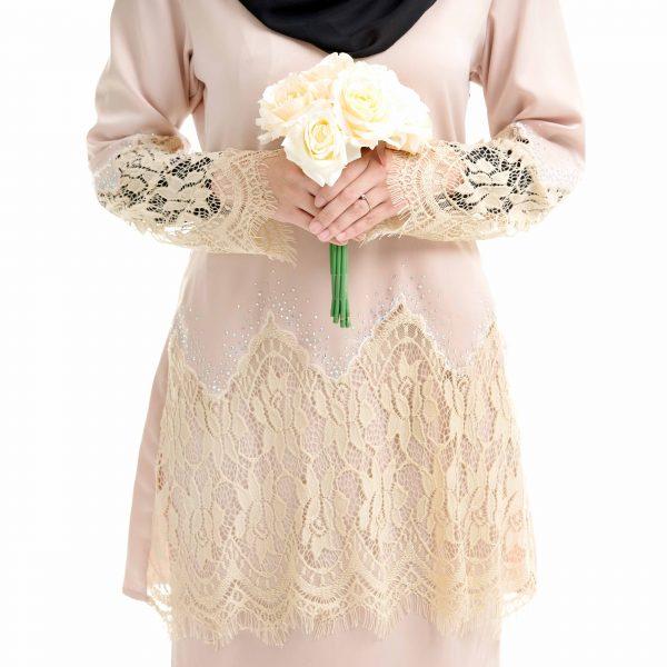 Aimi Kurung Cream With Flower