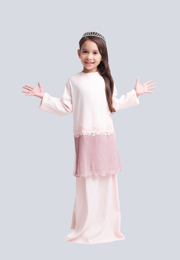 Aaina Kid Pink 2