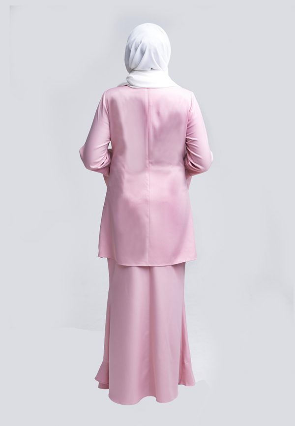 Amna Pink 1