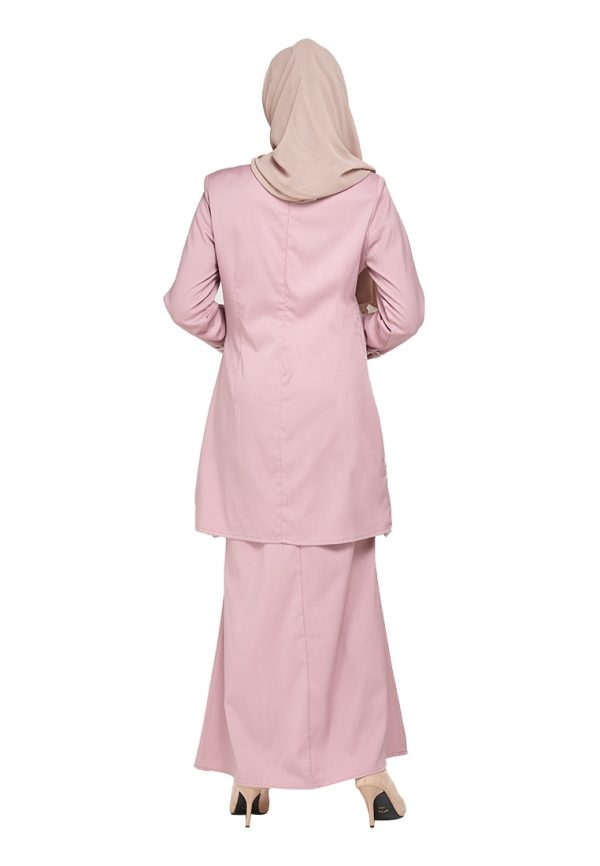 Lily Pink (2)